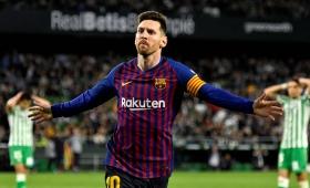 Messi anotó un triplete en la goleada del Barcelona ante el Betis