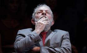 Lula abandonó la prisión para ir al entierro de su nieto