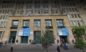 Apartan a un docente de la UBA denunciado por abuso