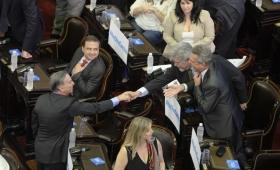 Pese al fallo de la Corte, el peronismo del Senado ratifica los fueros a Cristina