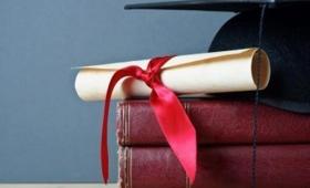 Concejales paraguayos piden la validación de títulos universitarios