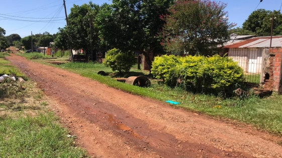 Veredas y calles abandonadas en barrio Hermoso