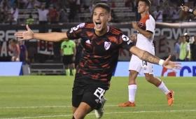 River goleó a Newells y se acerca a la Libertadores
