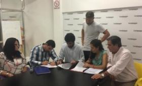 El Pro, la UCR y peronistas anti K en un mismo frente opositor