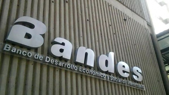 Estados Unidos sanciona a bancos venezolanos
