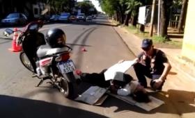 Cruzaba la avenida y fue atropellada por una moto