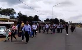 Posadeños afectados por el corte sobre avenida Llamosas