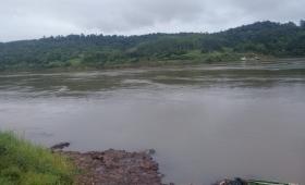 Buscan a padre e hijo desaparecidos en Puerto Yarará