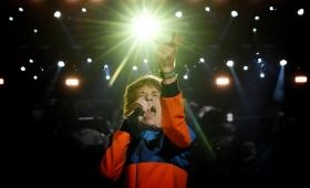 «Estoy sintiéndome mejor», escribio Mick Jagger en su muro de Facebook