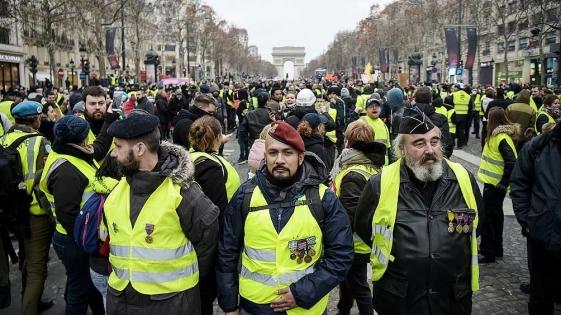 «Chalecos amarillos» realizaron su vigésima primera marcha contra Macron