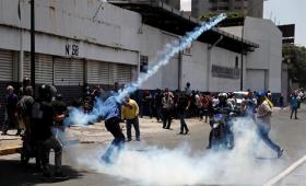 Al menos 69 heridos y 25 detenidos por el alzamiento en Venezuela