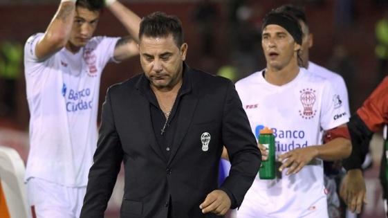 Huracán quedó eliminado de la Libertadores y renunció Mohamed