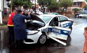 Policías involucrados en violento choque