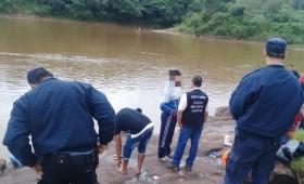 Continúa la búsqueda de padre e hijo en el Paraná