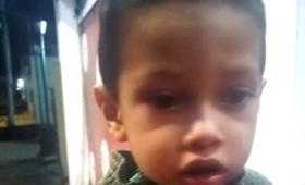 Buscan a familiares de un niño que apareció extraviado en Posadas
