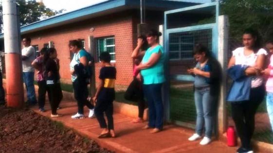 Estiércol de murciélagos en una escuela misionera