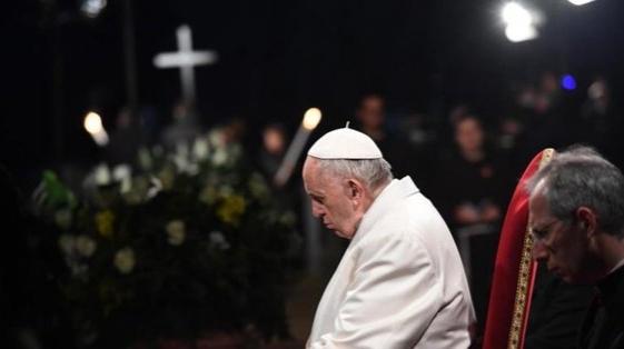 Francisco pidió por los inmigrantes y los hambrientos