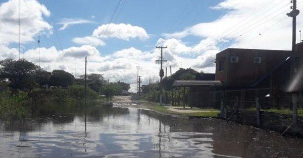 Más de 100 familias evacuadas por la creciente del Río Paraguay