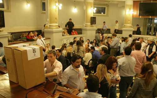 Comenzó el escrutinio definitivo de las elecciones de Corrientes