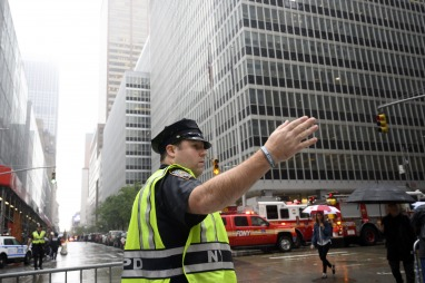 Se estrelló un helicóptero contra un edificio de Nueva York; un muerto