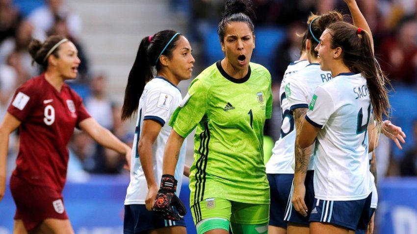 Argentina subió tres puestos en el ranking de fútbol femenino
