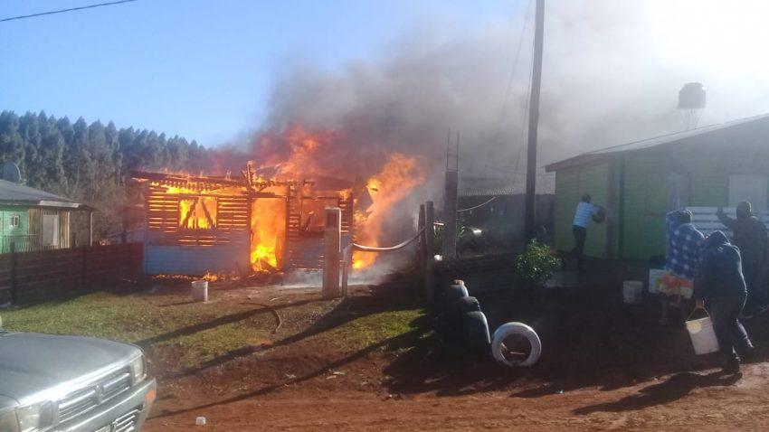 Se quemó una casa en barrio Néstor Kirchner