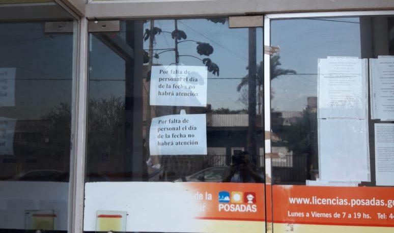 Quejas por falta de atención en el centro municipal de licencias de conducir
