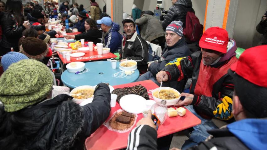 River solidario: abrió sus puertas a personas en situación de calle