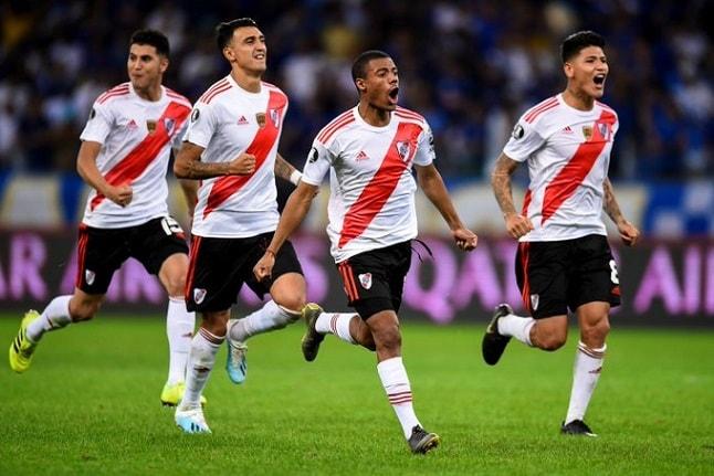River recibe a Vélez para mantenerse entre los de arriba
