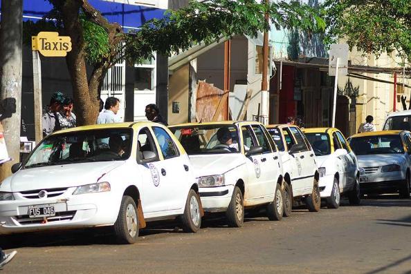 El uso de taxis cayó más de un 50%