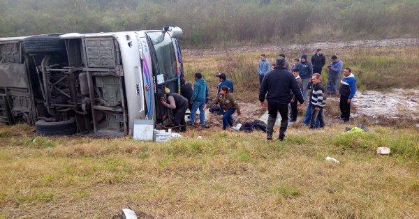 Vuelco con jubilados en Tucumán: 15 muertos y 44 heridos