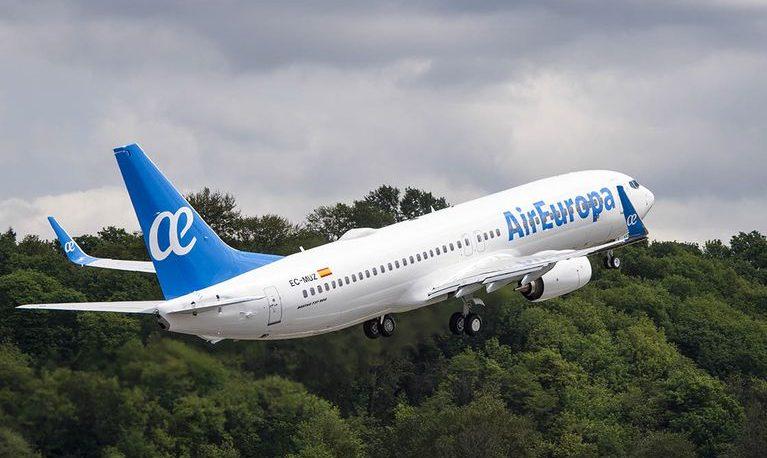 Tras la gestión de Puerta, el vuelo Iguazú-Madrid es una realidad