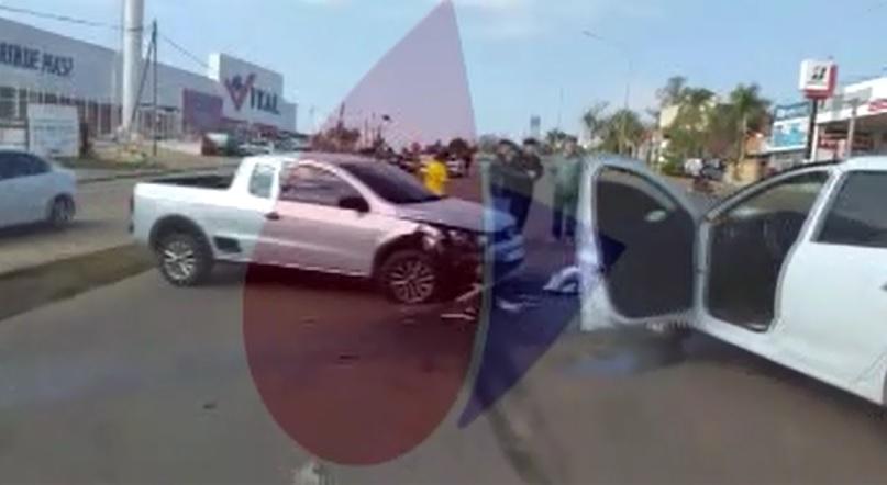 Choque de autos con heridos frente al Vital