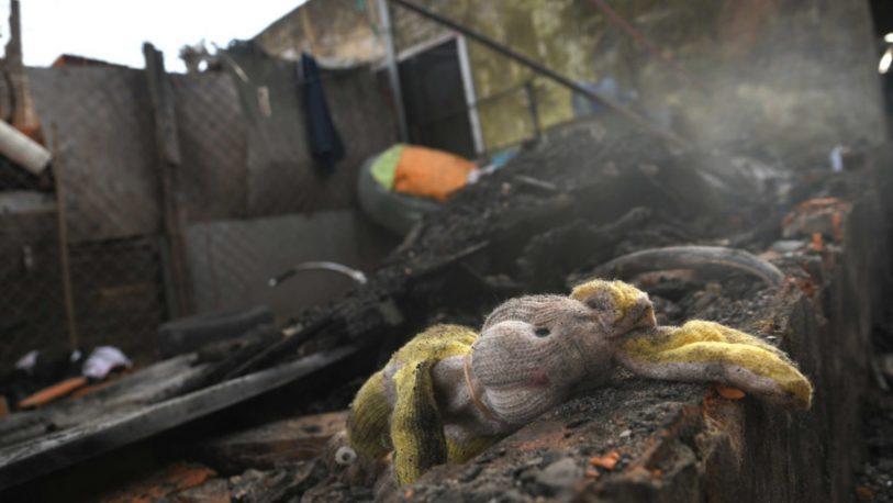 Cinco niños murieron al incendiarse su casa