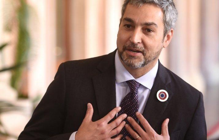 Abdo Benítez zafó del juicio político y anticipó más destituciones