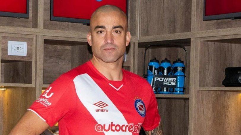 Argentinos Juniors afirmó en un comunicado que Silva puede jugar