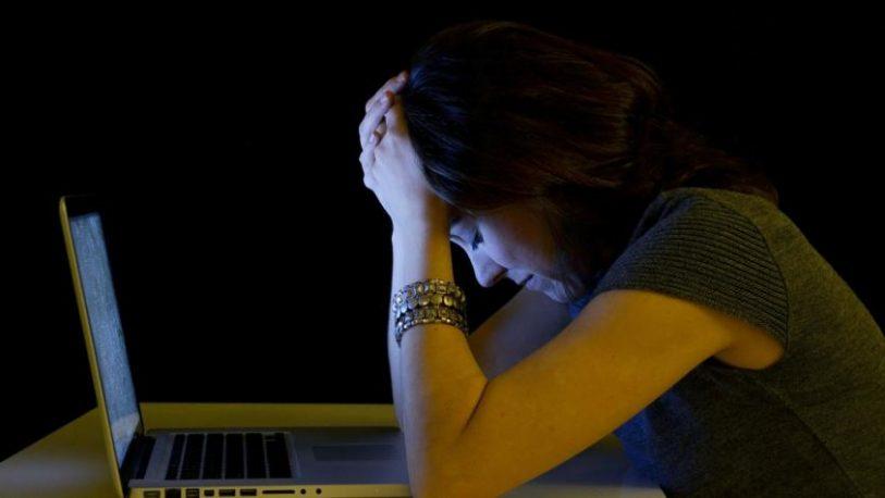 Deberá pagar una multa a su ex yerno por injurias en redes sociales