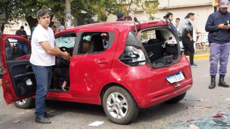 Atropelló a cinco personas en un piquete y le destrozaron el auto