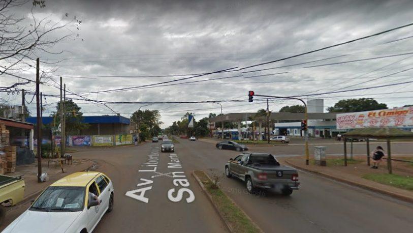 A mano armada: delincuentes le robaron  el auto a un taxista
