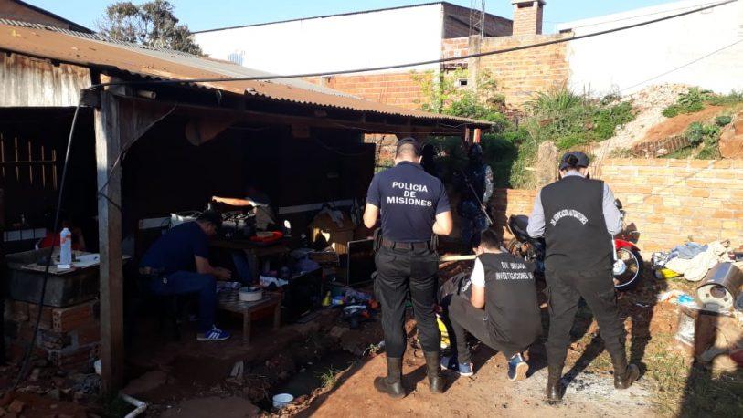 Desbaratan aguantadero narco; cinco detenidos
