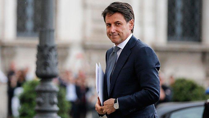 El primer ministro italiano presenta su renuncia