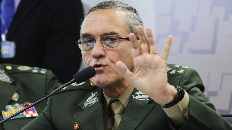 El asesor de Bolsonaro habla de amenaza militar de Macron