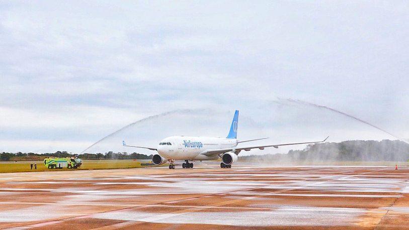 Iguazú vuelve a tener vuelo internacional después de 5 años