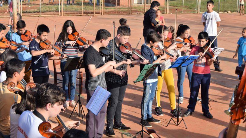 Los Niños cantaron para los Niños en el norte misionero