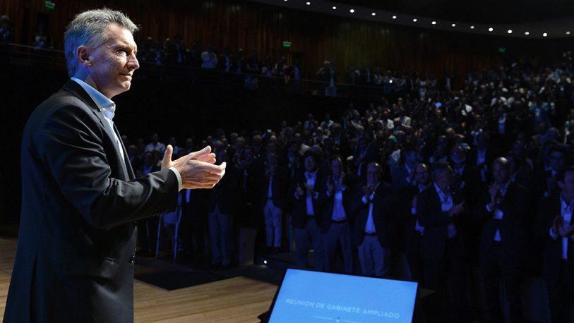 """Macri: Lacunza """"es el indicado para esta etapa"""" y elogió a Dujovne"""