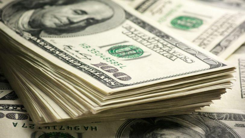 El Gobierno lanzó medidas para garantizar dólares a los ahorristas
