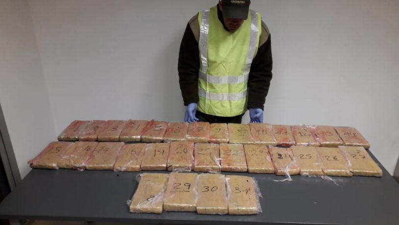 Incautan más de 29 kilos de marihuana y detienen a dos mujeres