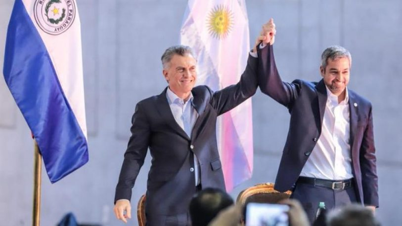 """Macri dijo que se puede """"cambiar la historia"""" al inaugurar un nuevo paso fronterizo con Paraguay"""