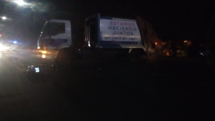 Otro camión recolector involucrado en un choque