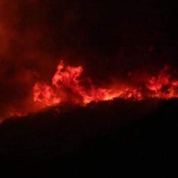 Córdoba: las llamas ceden en La Cumbre y avanzan hacia Villa Giardino